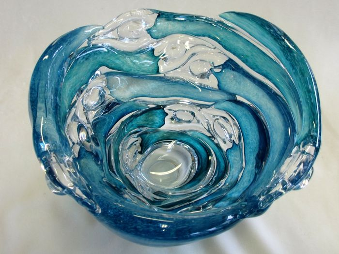 Figure bowl in blues